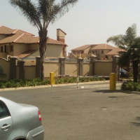 2 Bedroom 2 bathroom unit to let in Halfway Gardens