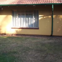 1 bedroom Garden flat to rent in Lynnwood Glen