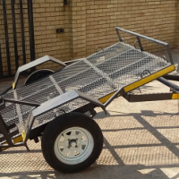 Mechter break neck trailer