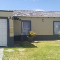 A Secure Fully Furnished 2 Bedroom House for Holiday Accommodation in Somerset West