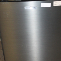 Kelvinator bar fridge S024770c