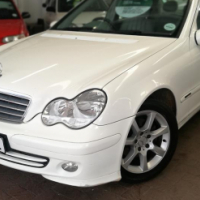 2005 Mercedes-Benz C220 CDi AUTOMATIC with 189000Km's,  Service History, Aircon