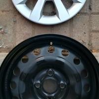 "Kia Rio 4 x 15"" OEM Steel Rims, Hubcaps and Wheelnuts"