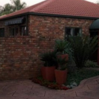 R2800 house for rent in Protea glen next to the mall