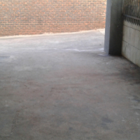 Two bedrooms, garden flat, own entrance , singles, students, quite, good