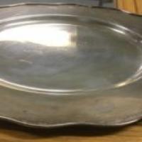 2x round brass trays