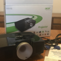 Acer X113P DLP Projector