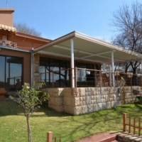 House for Sale right by the Vaal River