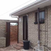 Self catering Holiday Flat at private residence in Jeffreys Bay