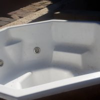 8 Seater Jacuzzi