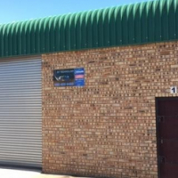 180m² Mini Factory To Let in Laser Park