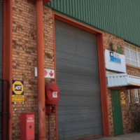 291m² Mini Factory To Let in Robertville