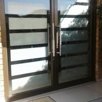 DOUBLE PIVOT FRONT DOOR