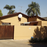 House in Hermanstad For Sale