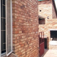 2 Bed/1Bathroom Apartment WONDERFULLY MAINTAINED complex - Groblerspark Roodepoort Flamingo villas