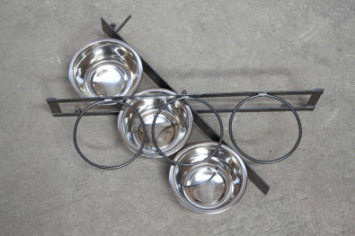 Swivel feeders with stainless steel bowls