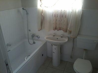 Spacious 1.5 Bedroom unit in Florida