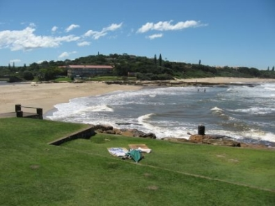 SUN FILLED BEACH HOLIDAYS 2 BEDROOM - 6 SLEEPER - SELF CATERING HOLIDAY FLATS ST MICHAELS-ON-SEA SHELLY BEACH UVONGO FROM R150 PPPN