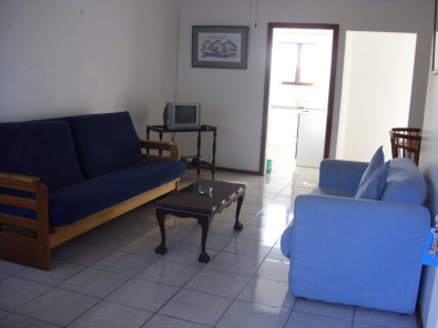 SHELLY BEACH 1 BEDROOM FURNISHED 1ST FLOOR FLAT AVAILABLE IMMEDIATELY UVONGO, ST MIKES