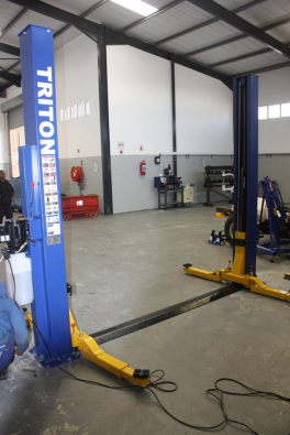 Vehicle hoists/lifts for sale /Brand New