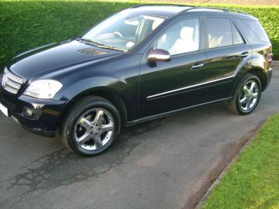 2005 Mercedes-Benz ML320 Blue