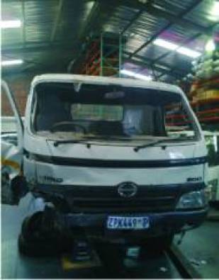 2010 hino 300 (dyna 8-145) no4c ti- stripping for
