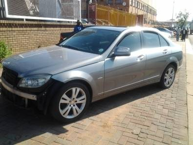 MERCEDES BENZ W204 C220 CDI STRIPPING FOR SPARES