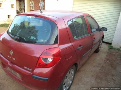 Renault clio 3 stripping for spares - Complete car
