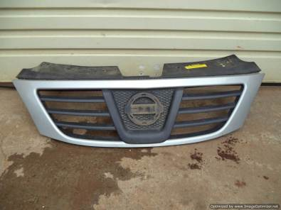 Nissan Np200 bumper and grill for sale