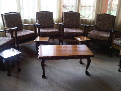 BARGAIN!!! Lounge Suite Tambotie wood