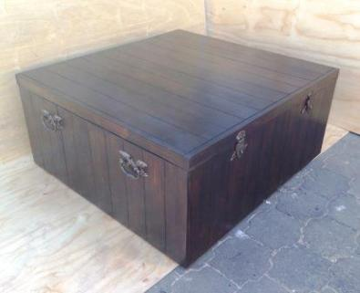Coffee table Farmhouse series 1215 Box shape with split interior.