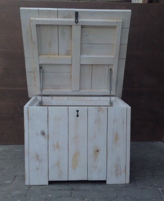 Toy box Cottage series 700 square with lid White washed distressed