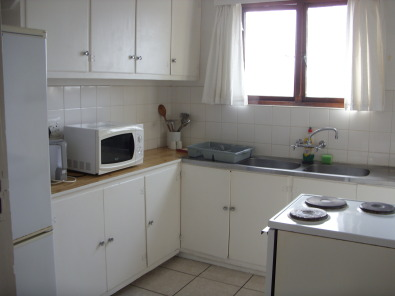 UVONGO FURNISHED ONE BEDROOM FLAT R4500 PM IMM OCC SHELLY BEACH