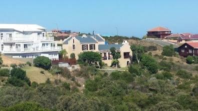 Dana Bay, Garden Route. Large Family home. Seaview