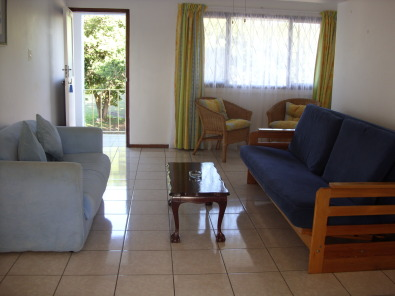1 Bedroom St Michaels-On-Sea Tastefully Furnished imm occ SHELLY BEACH R4500