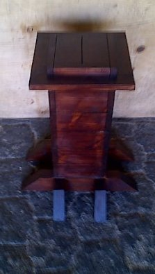 Pedestal with foot piece Stained