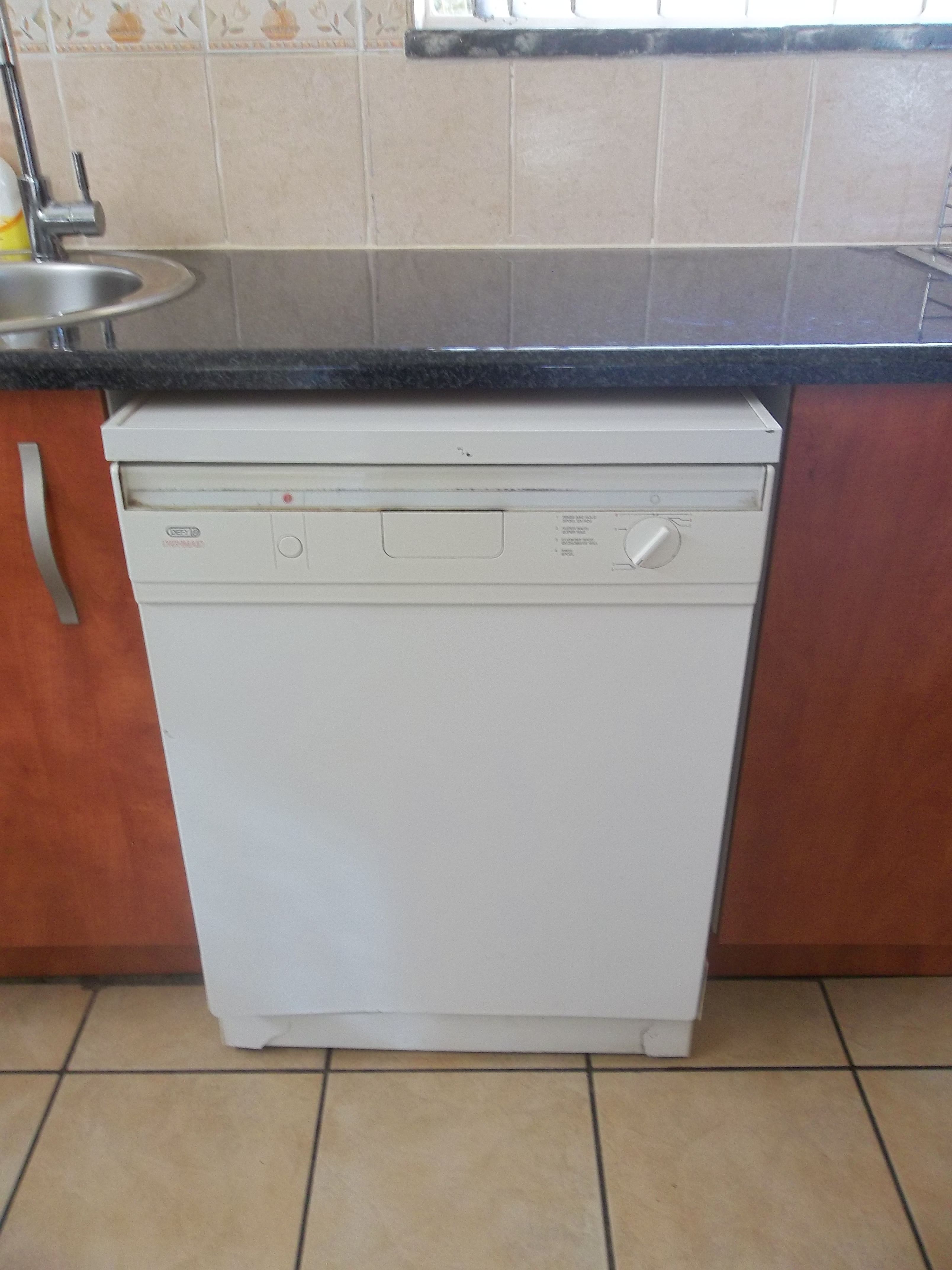 Defy dishwasher white and working