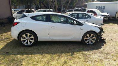 OPEL ASTRA GTC 1.4 TURBO  ACCIDENT DAMAGED