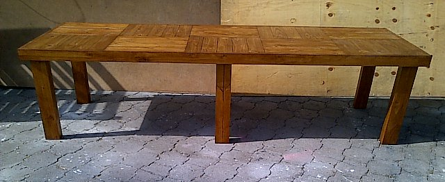 Patio table Farmhouse series 2950 with 6 legs Stained