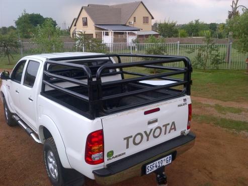 Toyota Hilux DC cattle frame / Beestralie