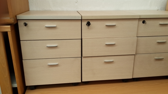 WHEELIE DRAWER UNITS - second hand
