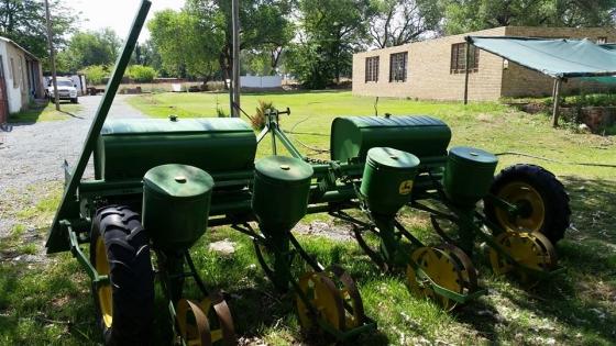 John Deere 1240 Planter Junk Mail
