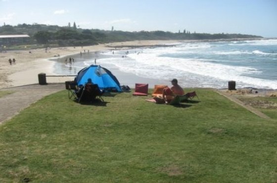 Lazy days onST MICHAELS ON SEA 1 bedroom self-cater spacious holiday flat sleeps 4 R400 per night for 2 OOS