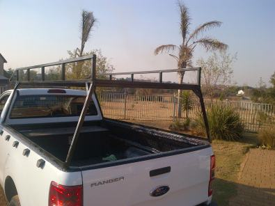 Roof rack carrier for bakkie
