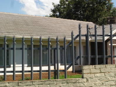 7 SPIKES PALISADE FENCING, and CARPORTS. Price for installation on the 1.8 meter high