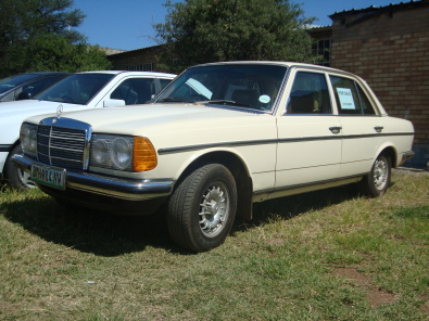 Mercedes Benz 240d W123 Junk Mail