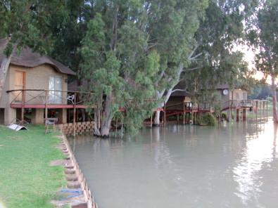 Vaal dam Getaway motor boat facilities