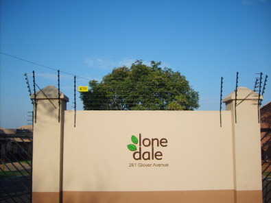 Spacious 4 Bedroom House to rent in tranquil secure complex in Die Hoewes