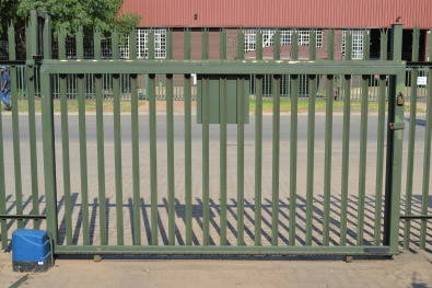 Proline Pallisade Fencing and harware supplies.