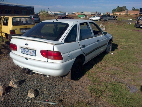 1996 Ford Escort stripping for spare parts